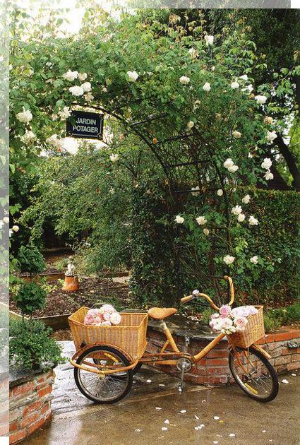 bici-rosas-boda-tu-decoracion-original-primavera