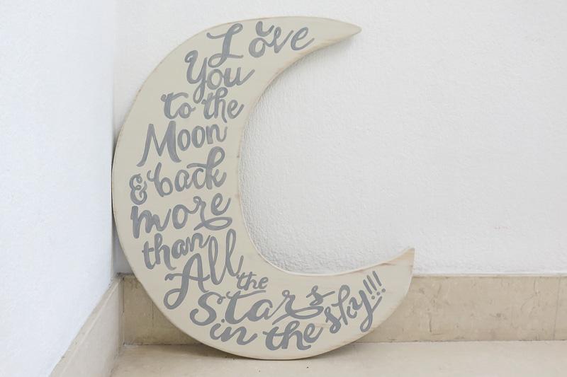 Luna con frase