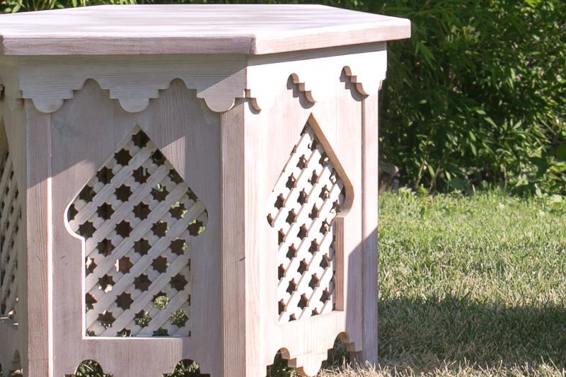 Mesas de madera árabes detalle