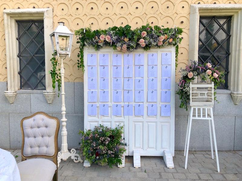 seating puertas vintage