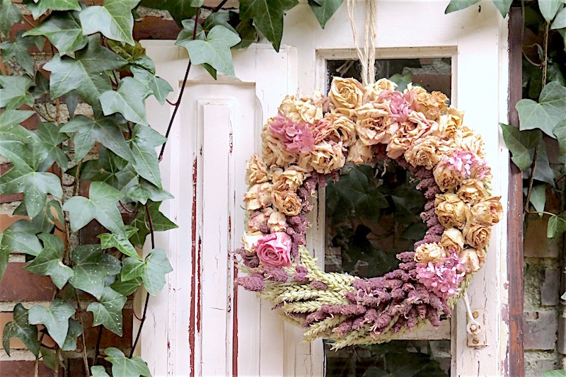 una corona de flores hecha por ti mismo